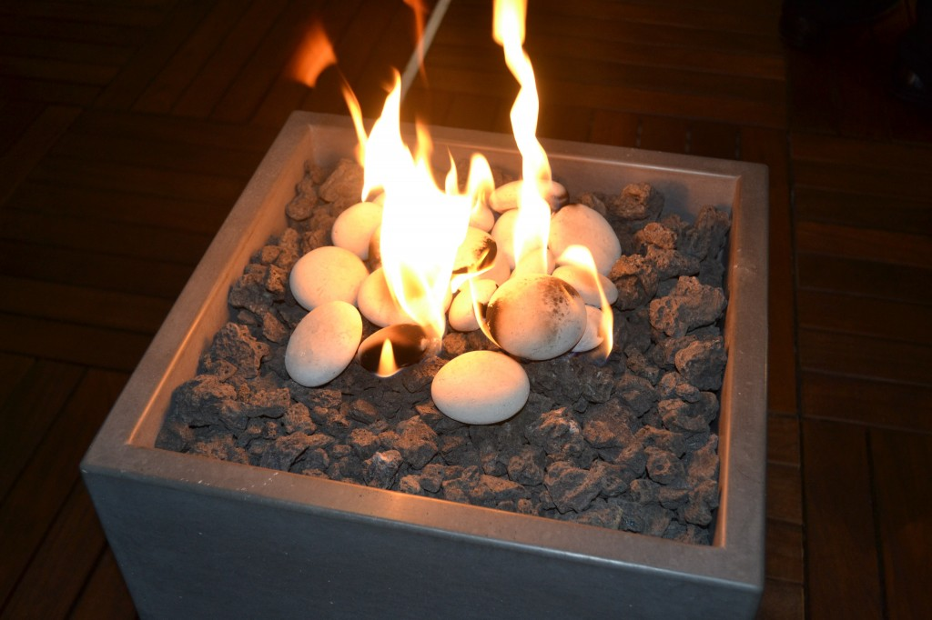 Fire cube fire pit